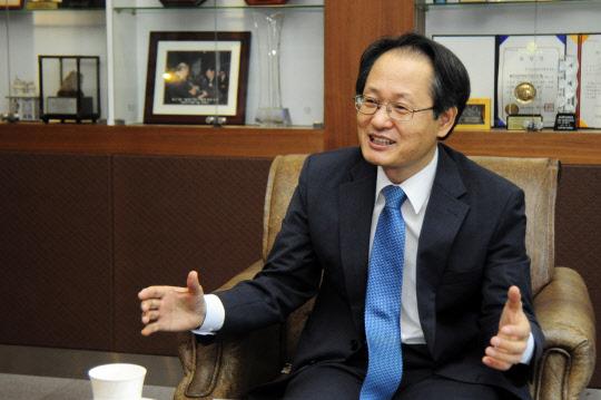 """""""연구장비 국산화로 과학경쟁력 향상·산업생태계 조성 이끌것"""""""